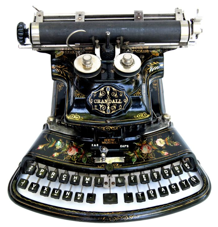 antique_typewriters_01