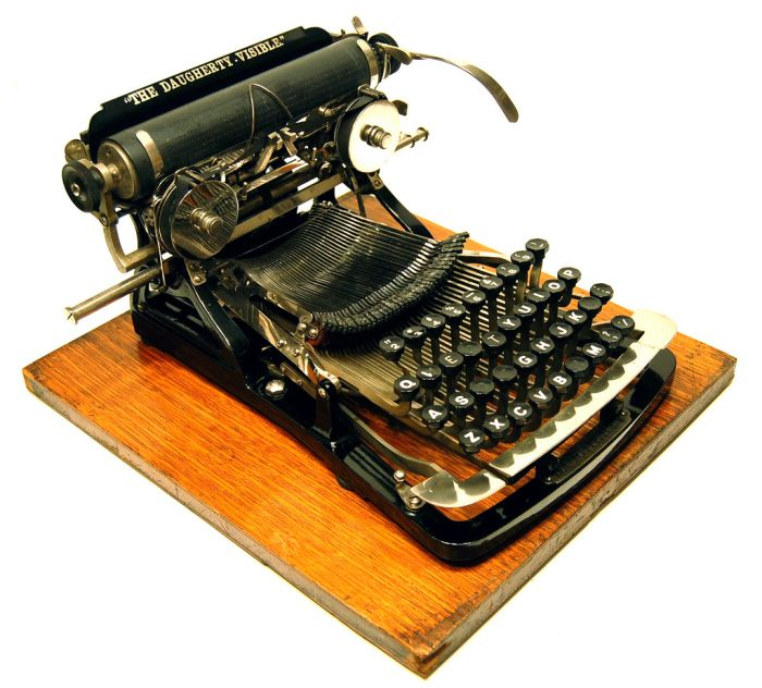 antique_typewriters_07