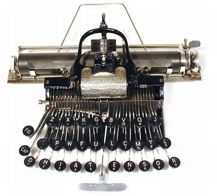 antique_typewriters_26