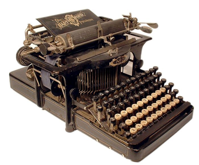 antique_typewriters_40